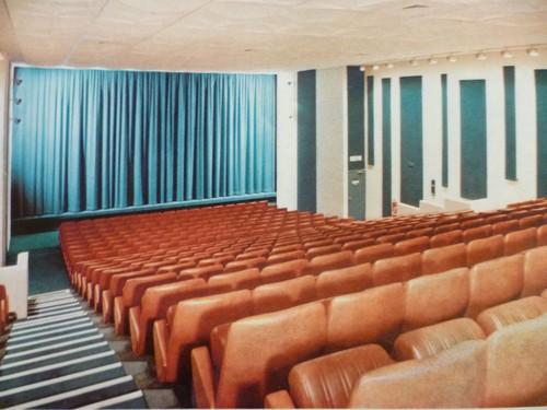 Cinéma Les 3 Nation à Paris au 133, boulevard Diderot.