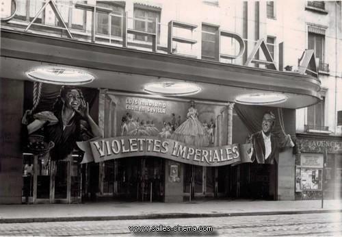 Ancienne façade du cinéma Pathé Palace (bellcour) à Lyon
