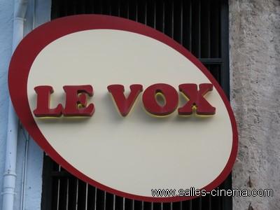 Enseigne du cinéma le Vox à Chamonix, en Haute-Savoie