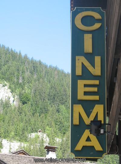 L'Algérie veut faire revivre son cinéma Cinema-danay-clusaz4