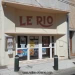 Enseigne et façade du cinéma Le Rio à Saulliès-Pont - www.salles-cinema.com