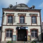 Ancien cinéma de Bernay: le théâtre Piaf - www.salles-cinema.com