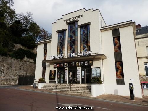 Façade Art-Déco du Cinéma Théâtre à Château-Thierry