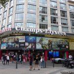 Fermeture du cinéma Gamont Ambassade sur les Champs-Elysées.